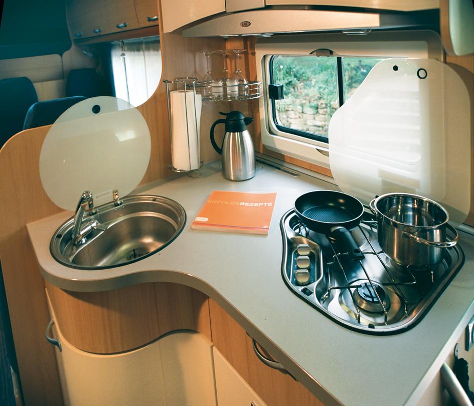 Wohnmobil Kueche Die Wohnmobilvermietung der besonderen Art